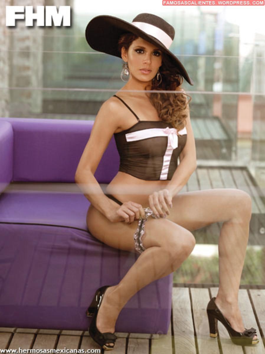 Sexy mamasita en sesion de fotos mostrando su vestido sexy - 2 2